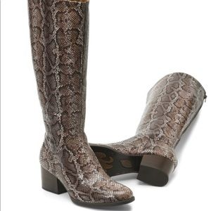 NIB Born Audriana Snake print leather boots